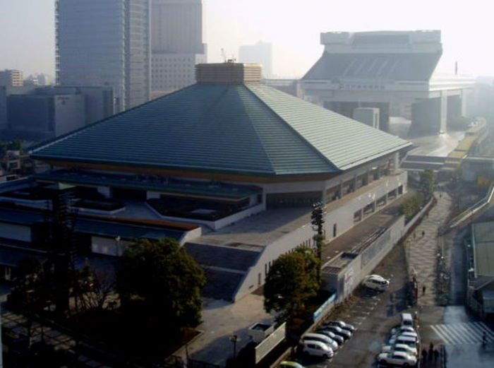 800pxryogoku_great_sumo_hall1_3